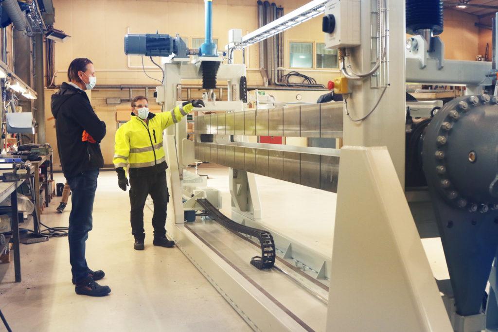 FAT-testaus Sermatechin tiloissa ABB Motors and Generators